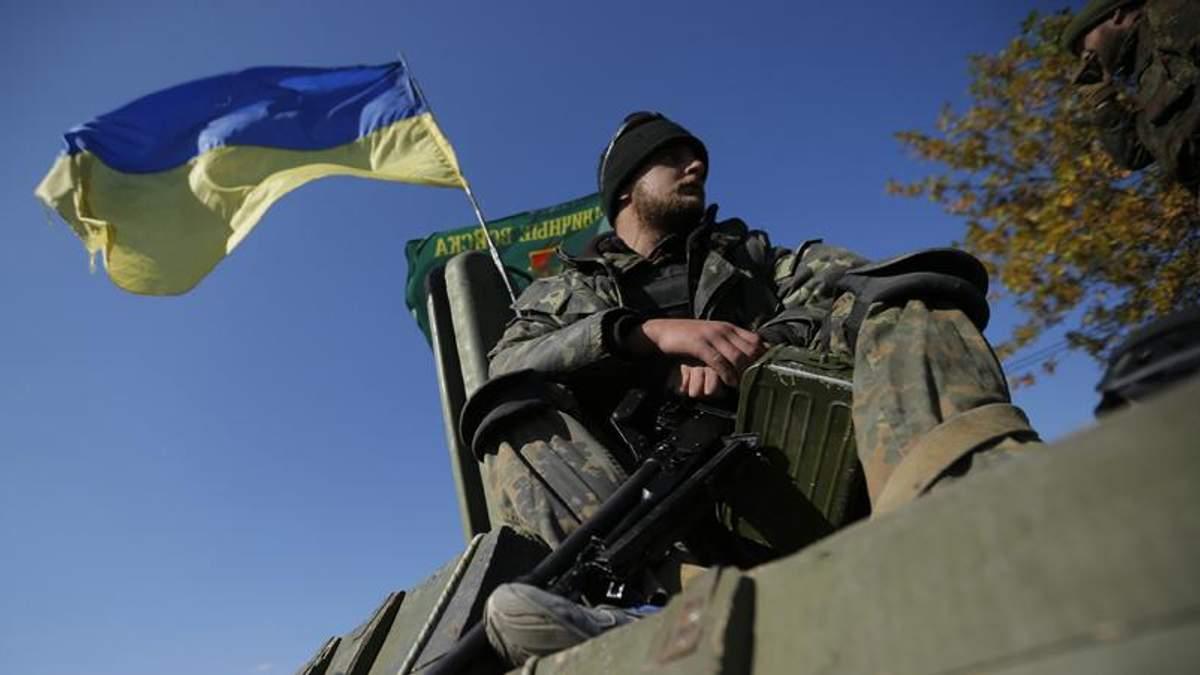 Бойовики обстріляли колону українських військових на Луганщині