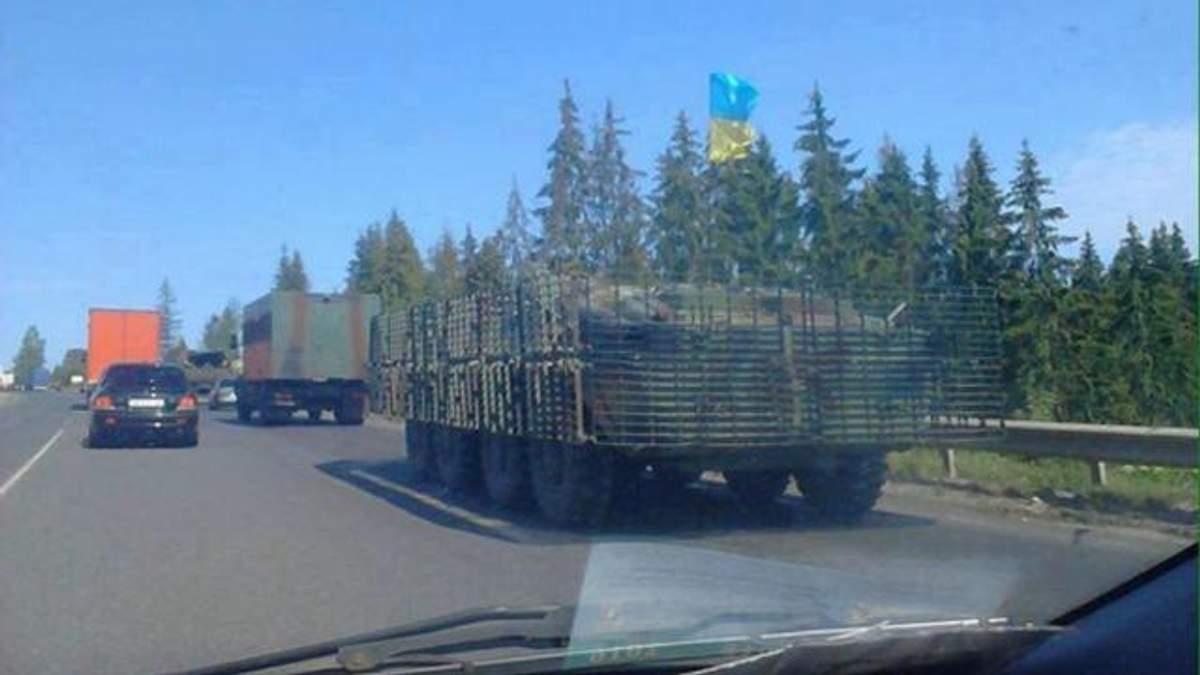 В Мукачево движется военная техника