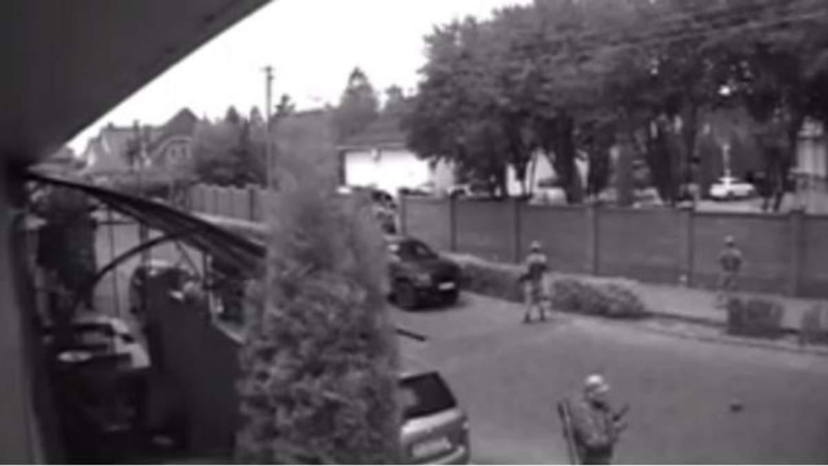 Стрельба в Мукачево: появилось видео с трех разных камер наблюдения