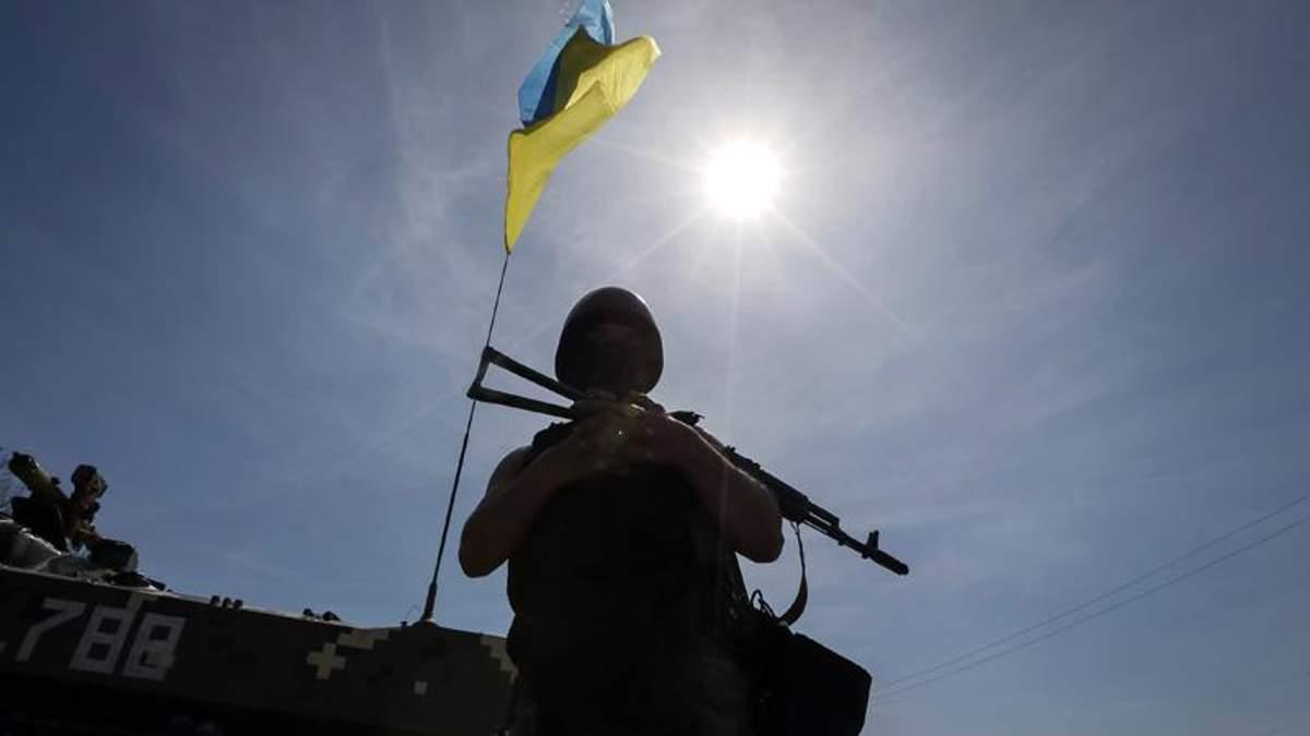 Двоє військових підірвались на розтяжці у Луганській області