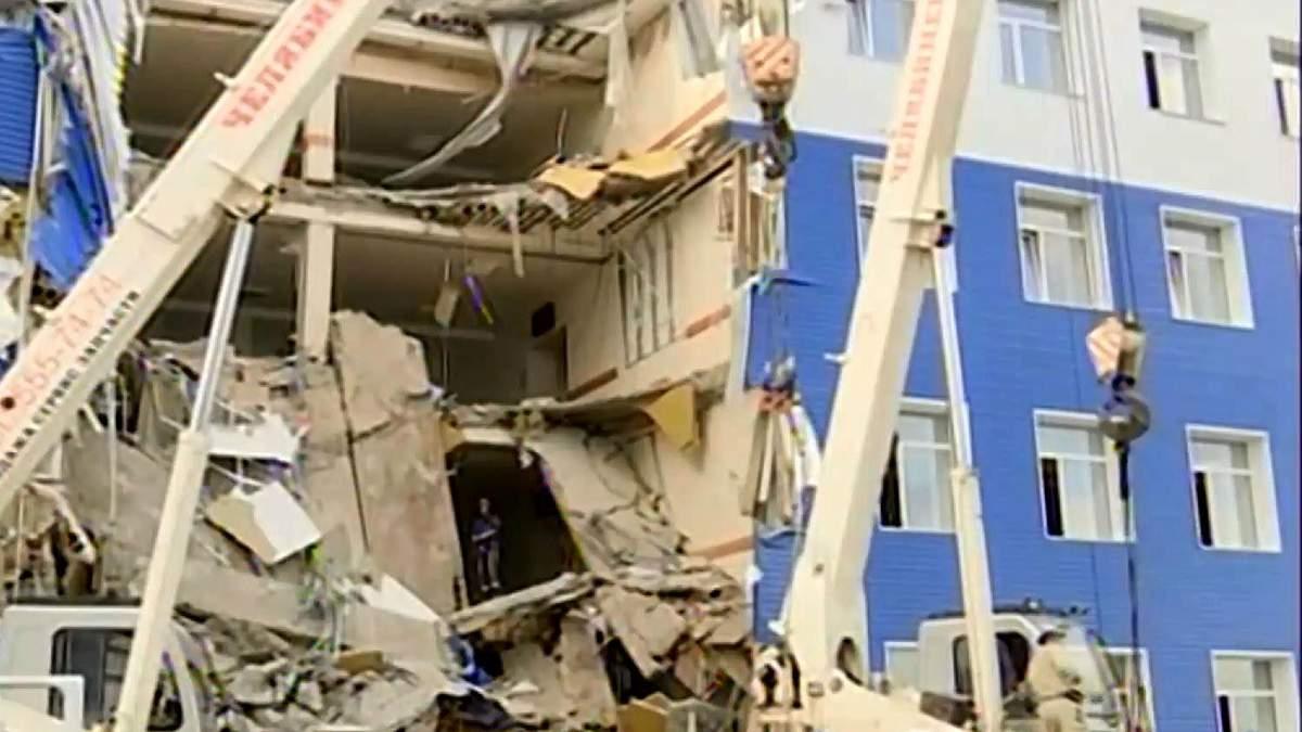 Казарма в Омську обвалилась через неякісний ремонт
