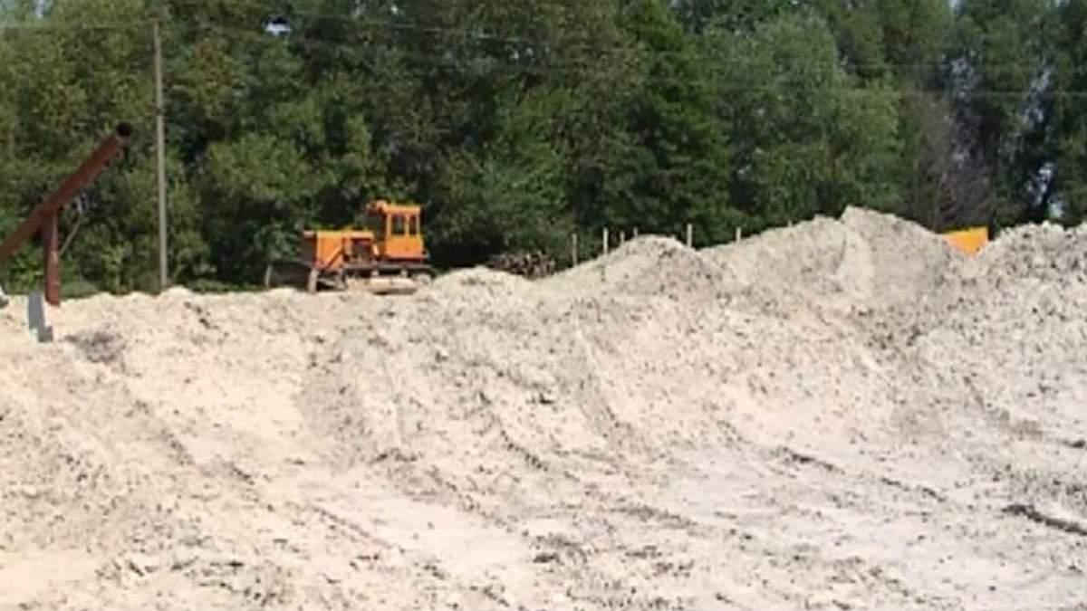 В Винницкой области карьер угрожает уничтожить поселок