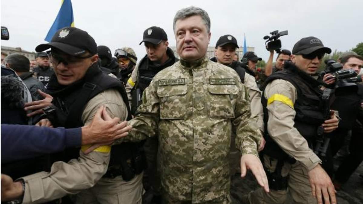 Як Ужгород чекає на Порошенка: аеропорт очеплено, міліція кожні 10 метрів