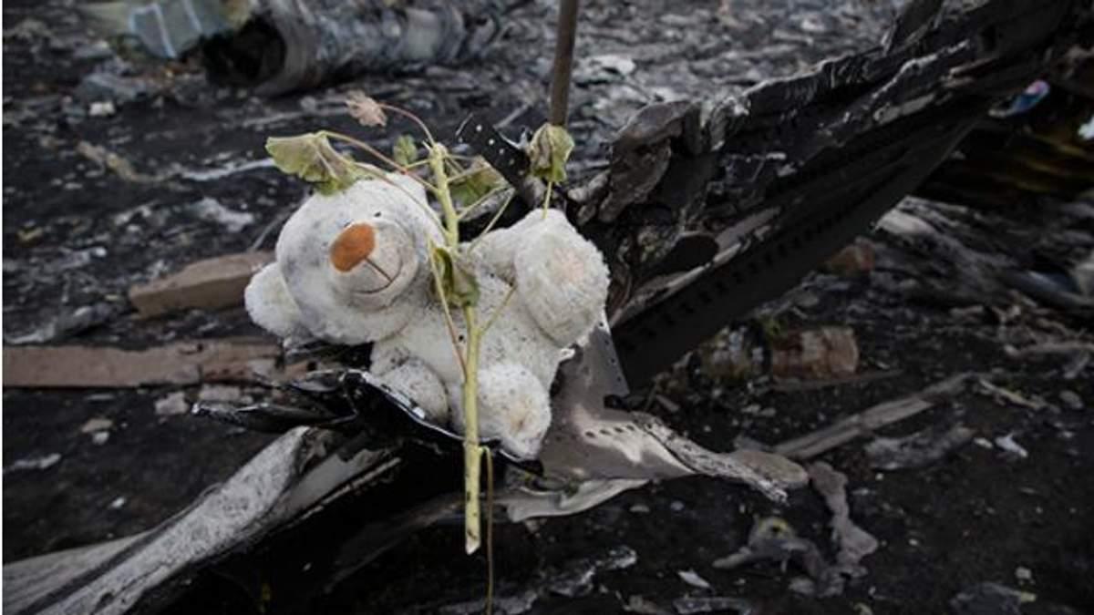 Росія ідіотською брехнею загнала себе в кут, — російський аналітик про Boeіng-777