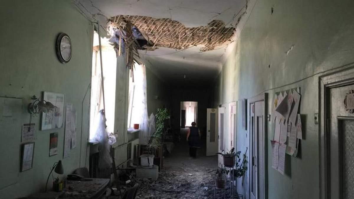 Боевики перед российскими камерами обстреляли больницу с пациентами