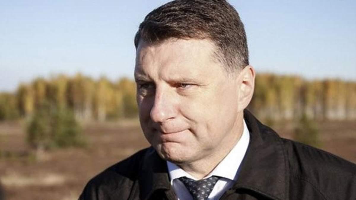 Президенту Латвии хотят запретить говорить по-русски