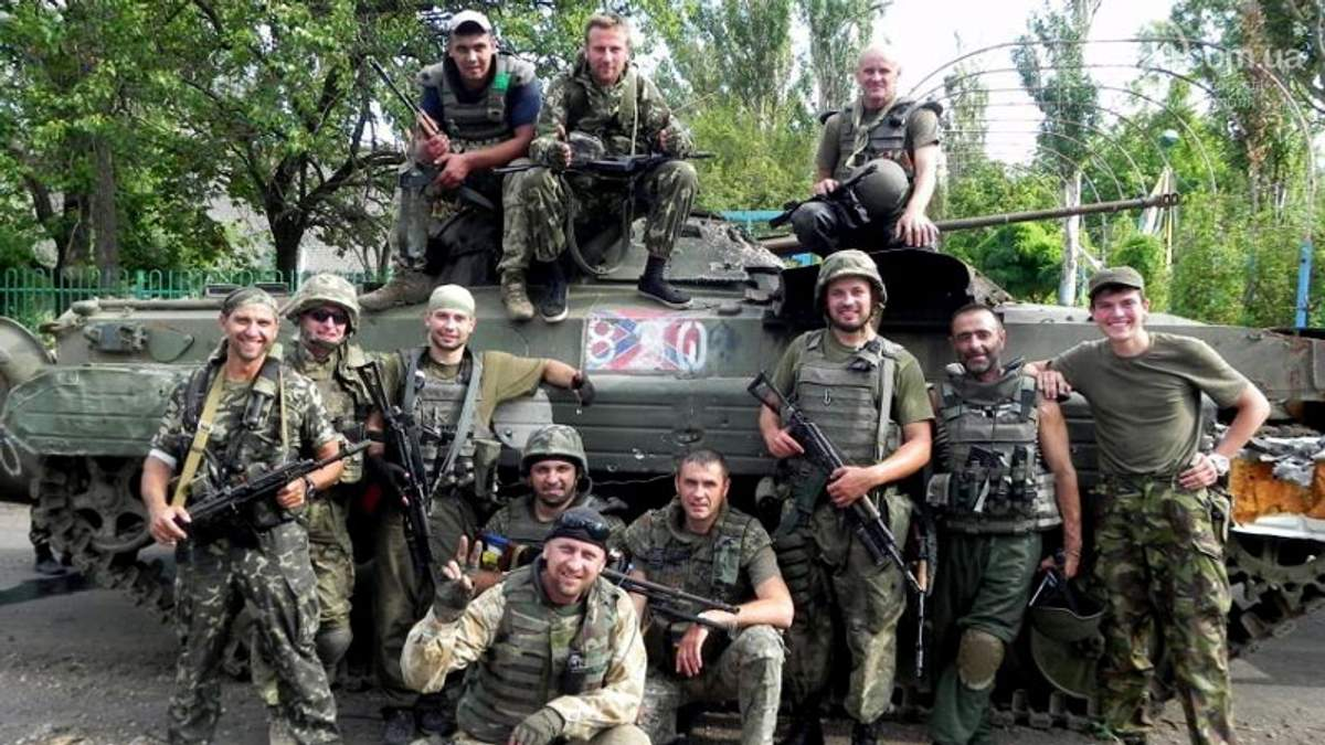 """Бойцы """"Донбасса"""" похвастались танком, который умело отобрали у террористов"""