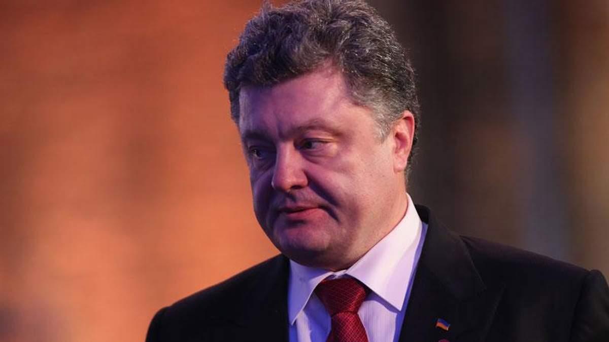 Порошенко пошутил о космических ценах на перелеты авиалиниями Коломойского