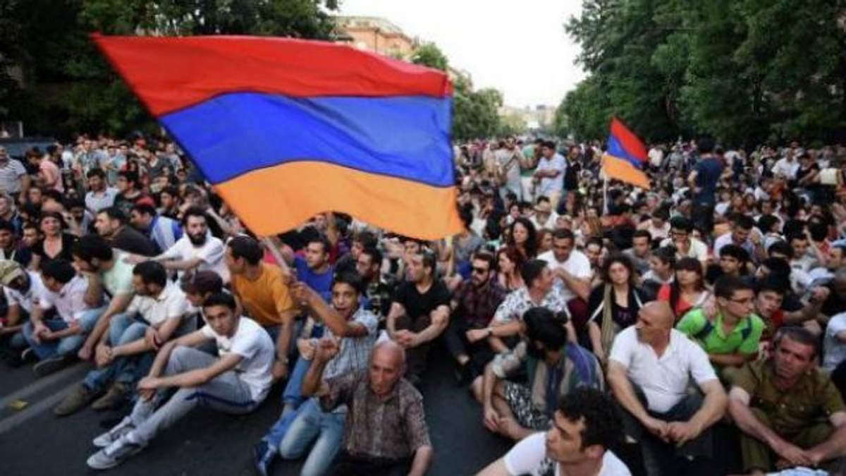Нові мітинги в Єревані: активісти готуються до сидячого протесту