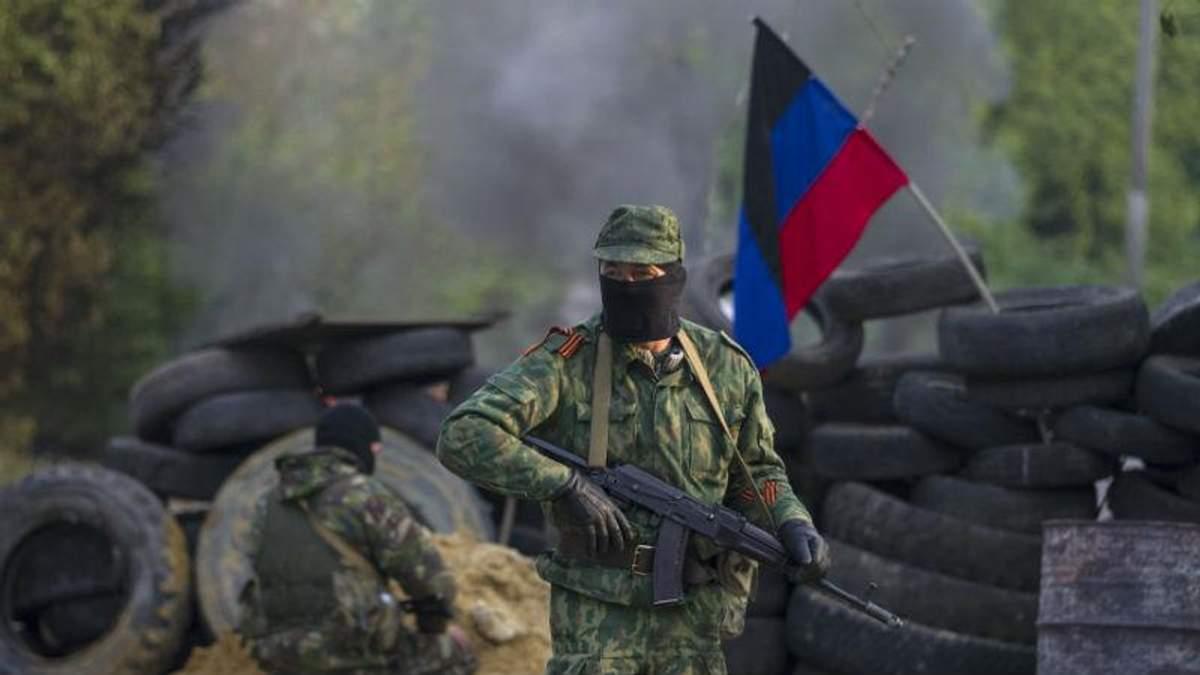 Доба на фронті: бойовики продовжують гатити по мирному населенню