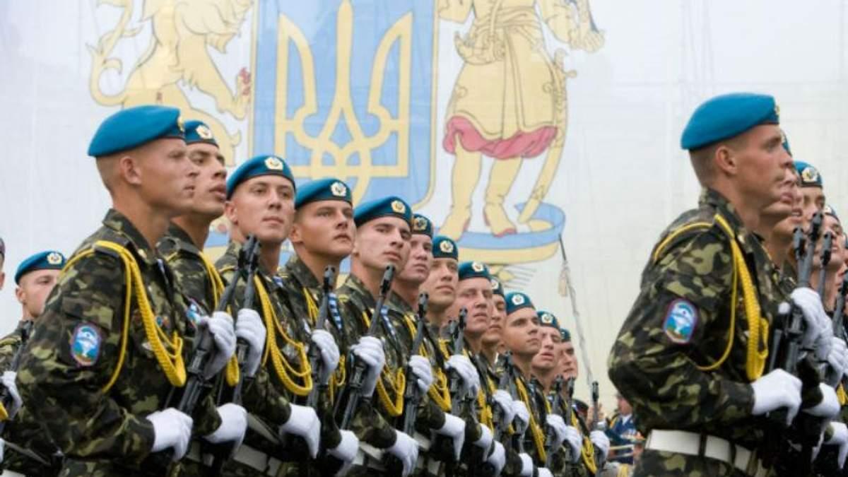 """Контрактна армія в Україні і справа """"діамантових"""" прокурорів – найважливіші теми на """"24"""""""