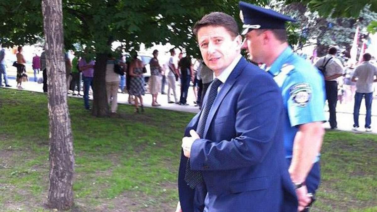 Екс-міліціонер, який здав Донецьк, засвітився в Києві