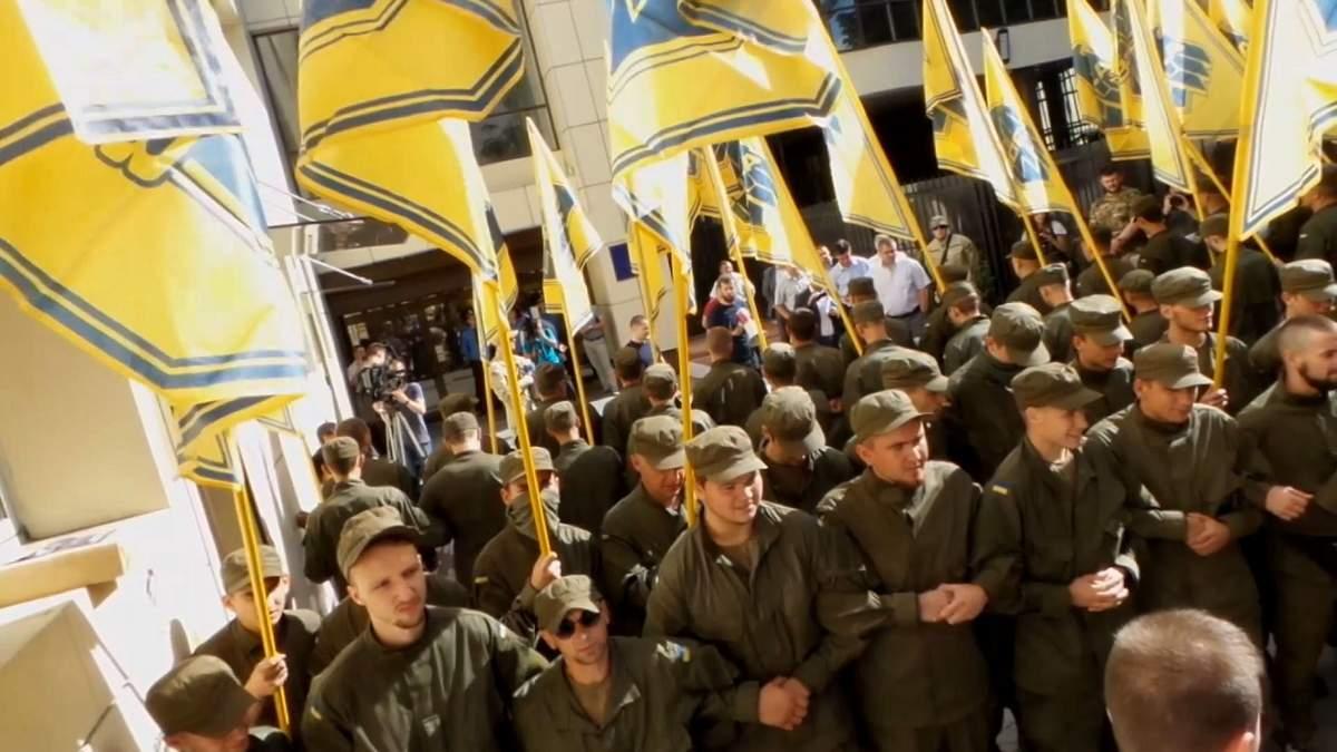 """""""Азов"""" вимагає віддати йому під базу завод АТЕК"""