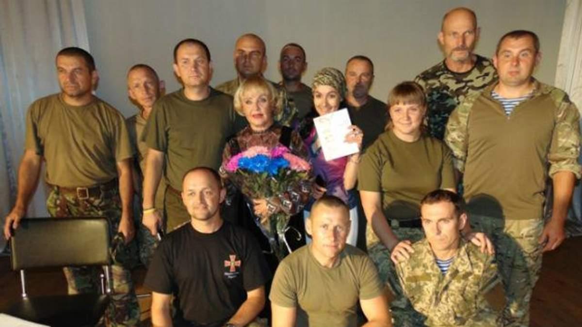 Я горжусь вами, — выдающаяся советская актриса приехала к бойцам АТО