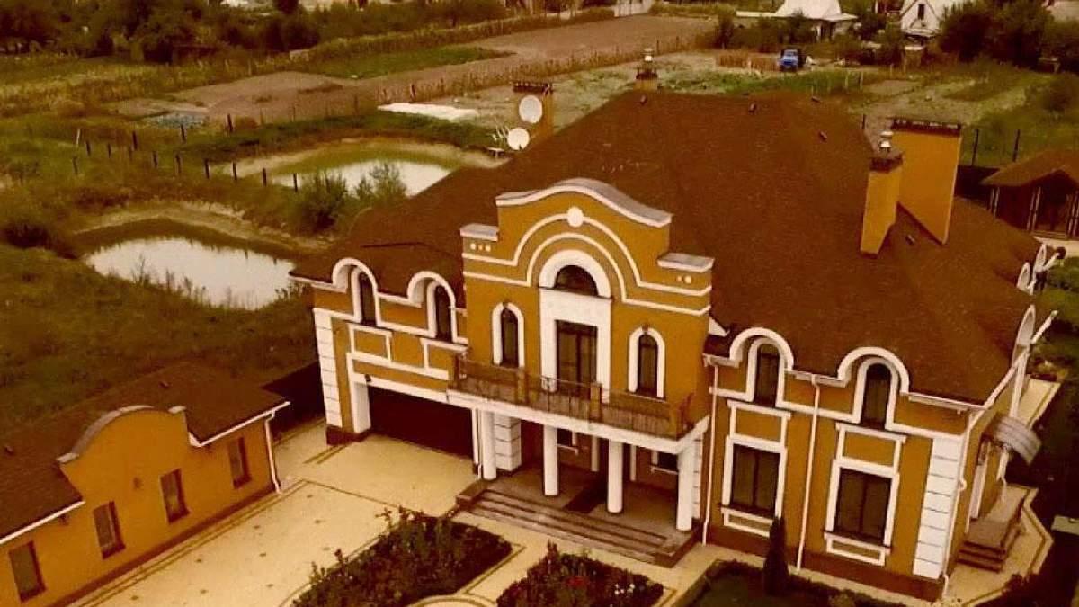 Появилось видео шикарного поместья скандального священника УПЦ МП