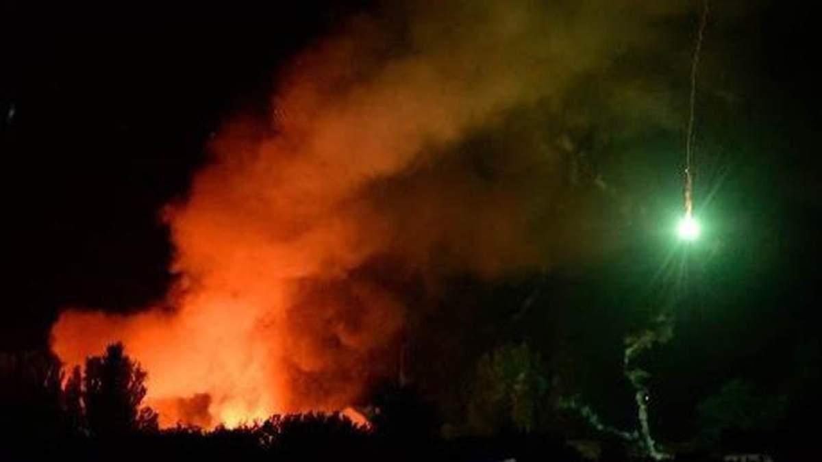 Вибухи снарядів у Сватовому не стихають: на місці працює 200 рятувальників
