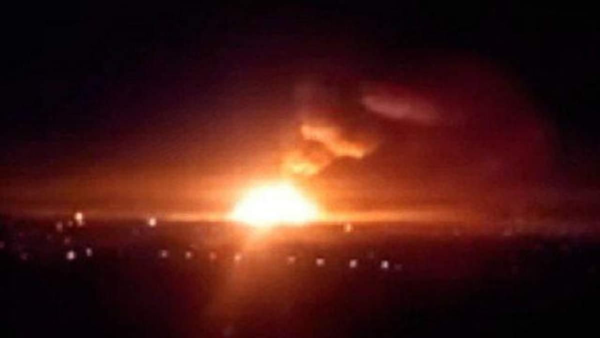 Бійці танками почали гасити пожежу у Сватовому