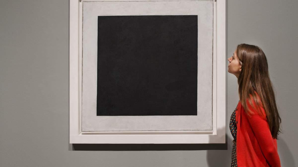 """Невероятное открытие: под легендарным """"Черным квадратом"""" Малевича есть другая картина"""