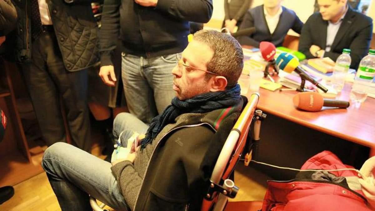 Суд дал Корбану 3 часа на лечение и экспертизу