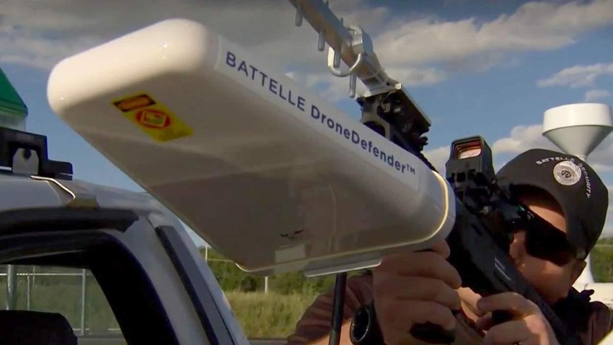 Орел против беспилотников, NASA тестирует робота для строительства на Марсе