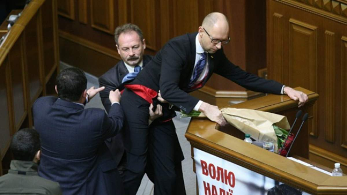 Сколько подписей уже собрали, чтобы отправить правительство в отставку