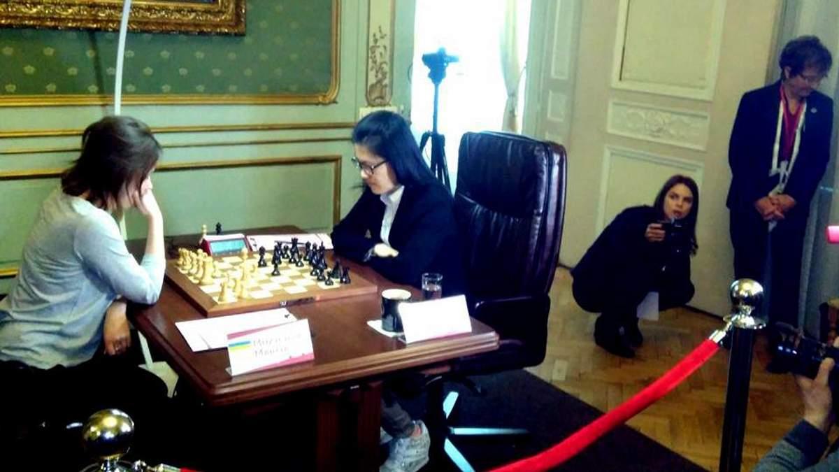 Во Львове стартовал поединок за женскую шахматную корону