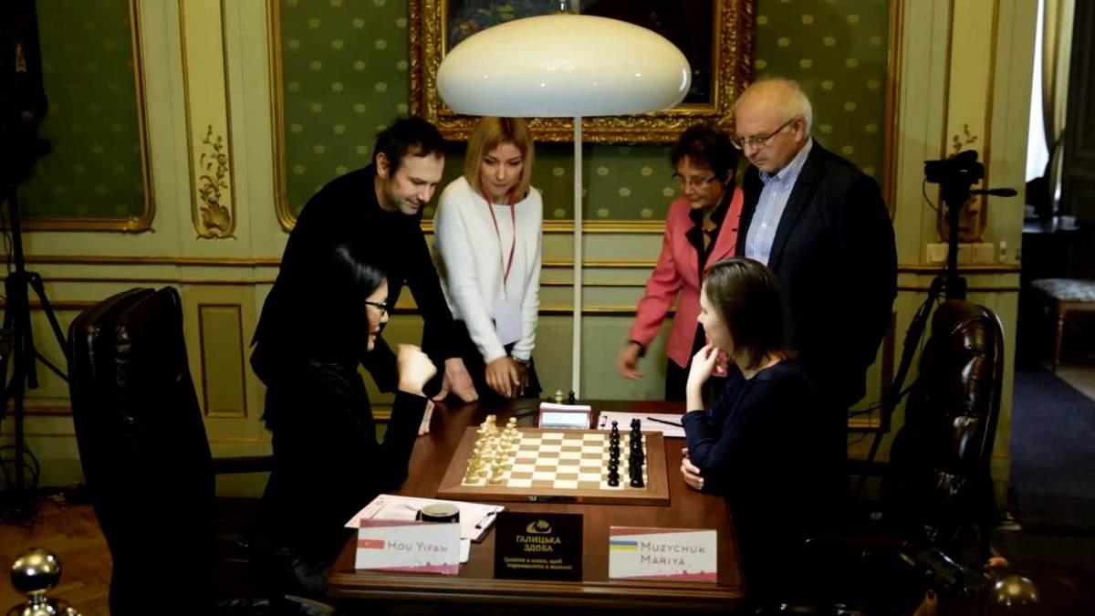 Вакарчук вирішив підтримати Музичук у шаховому фіналі