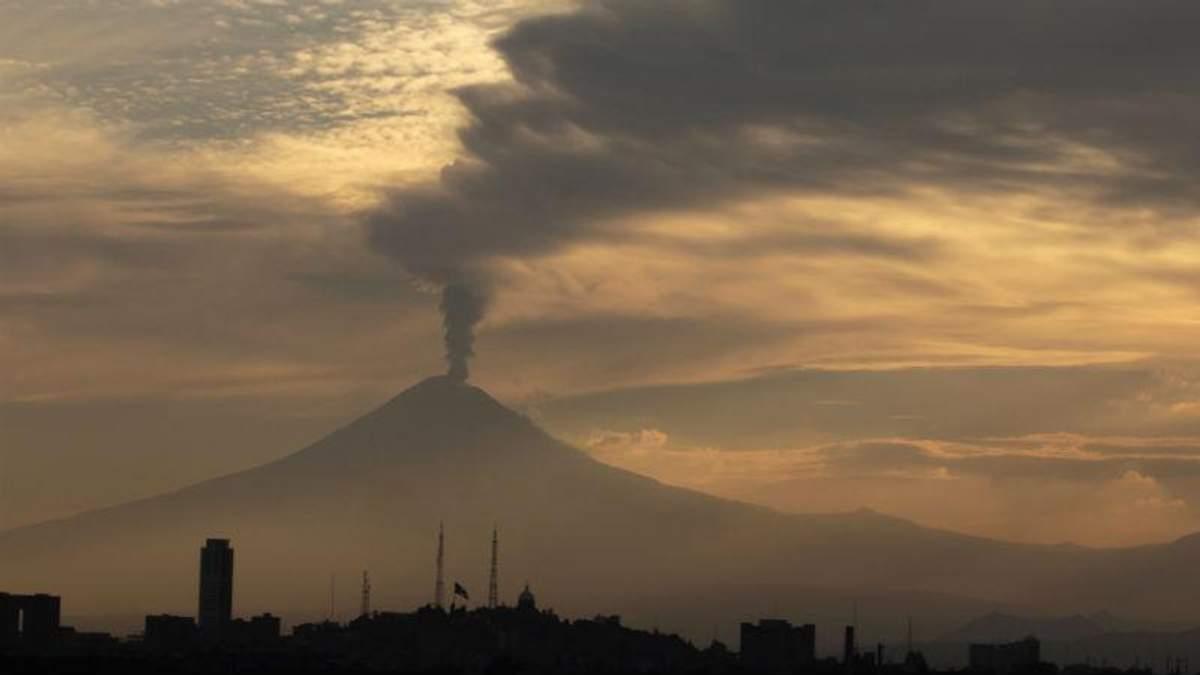 Прокинувся один із найбільших вулканів світу: з'явилися фото та відео