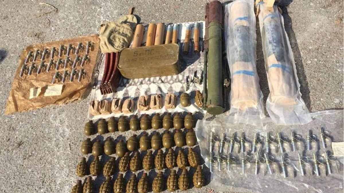 Велику схованку з боєприпасами знайшли під Одесою: опубліковані фото