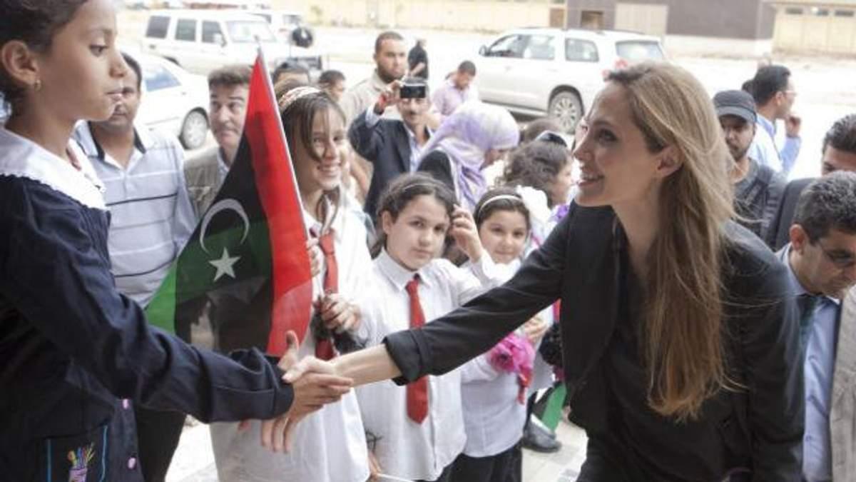 Анджелина Джоли бросает кино и идет в политику