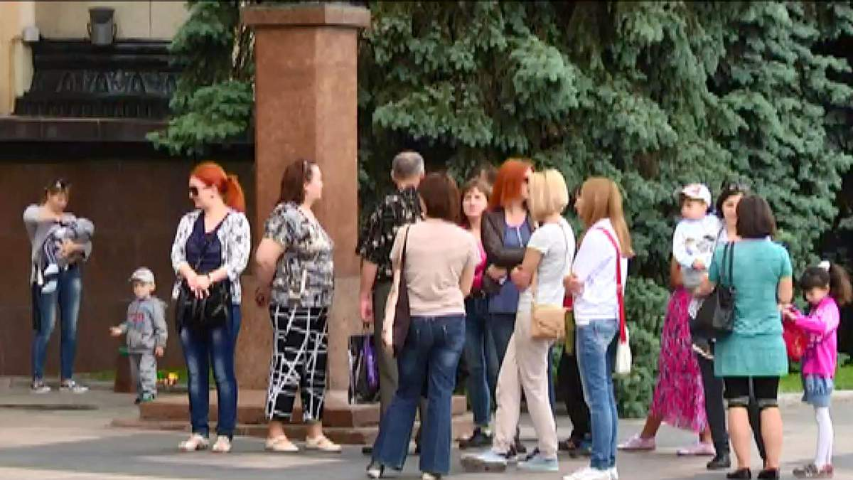 Разгневанные переселенцы вышли на пикет в Харькове