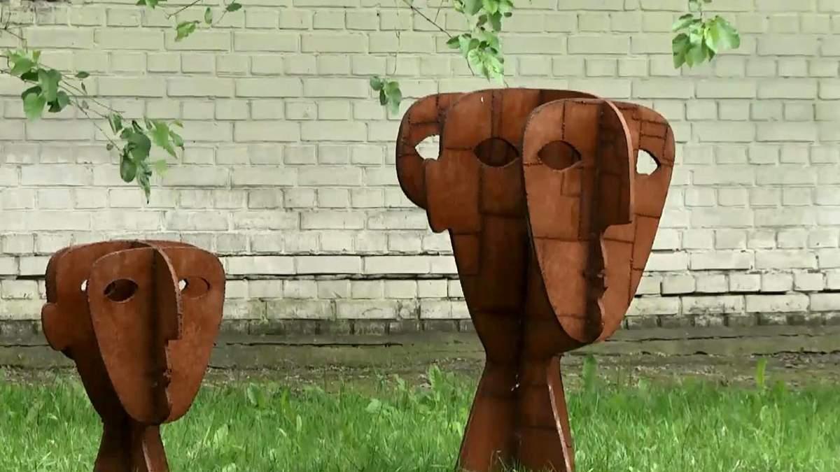 Масштабну виставку особливих скульптур відкрили у Києві