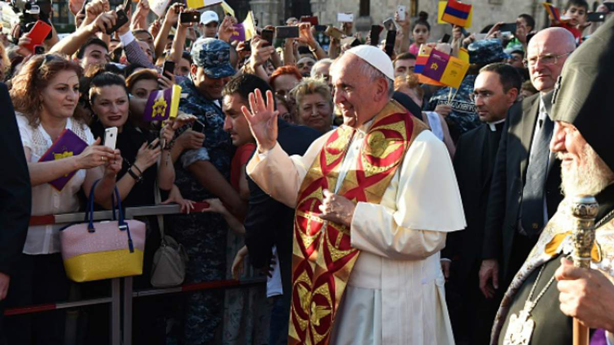 Папа Франциск зробив несподівану заяву про геїв