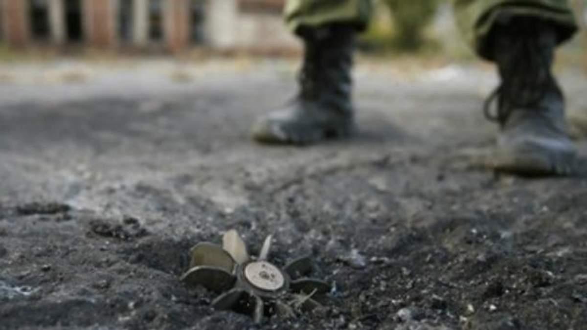 Украинские военные подорвались на фугасе