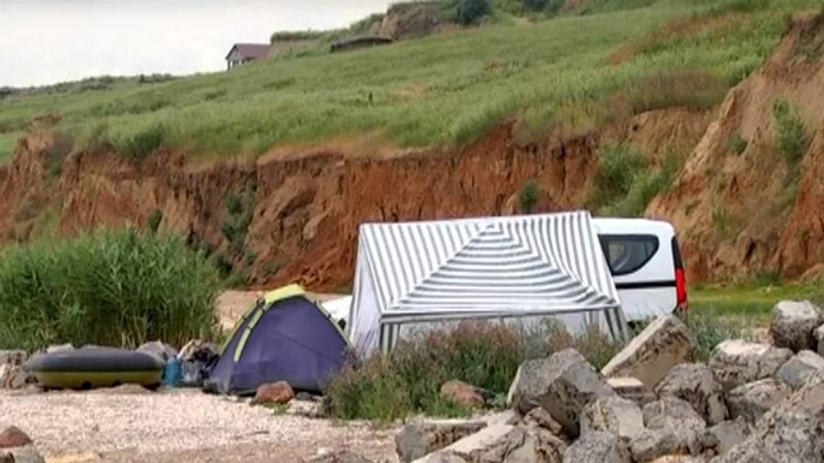 Звірське вбивство на пляжі:  у поліції розповіли подробиці