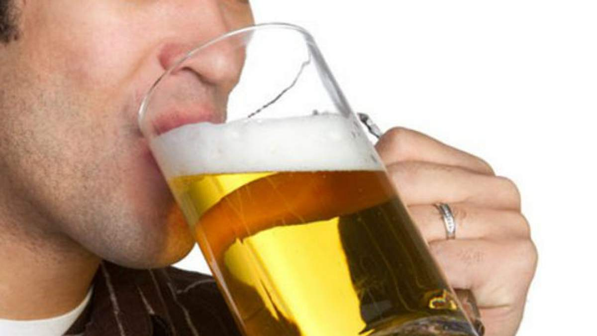 Поліцейський влаштував дебош через погане пиво
