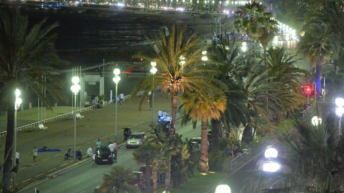 Подробности массового убийства в Ницце: водитель грузовика стрелял в своих жертв