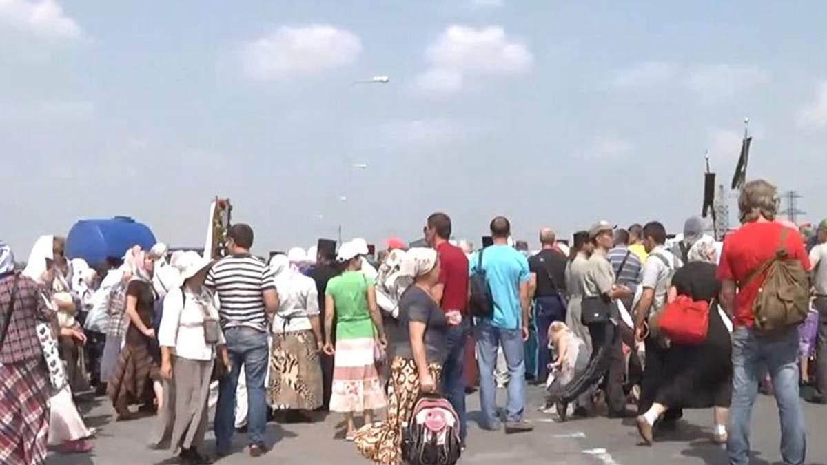 Крестный ход под Борисполем возобновил свое движение на Киев