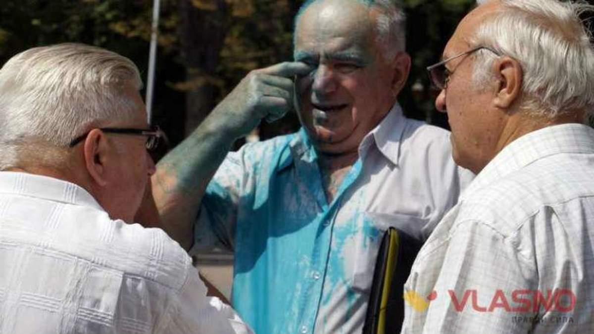 У Вінниці активісти покарали прихильників кума Путіна