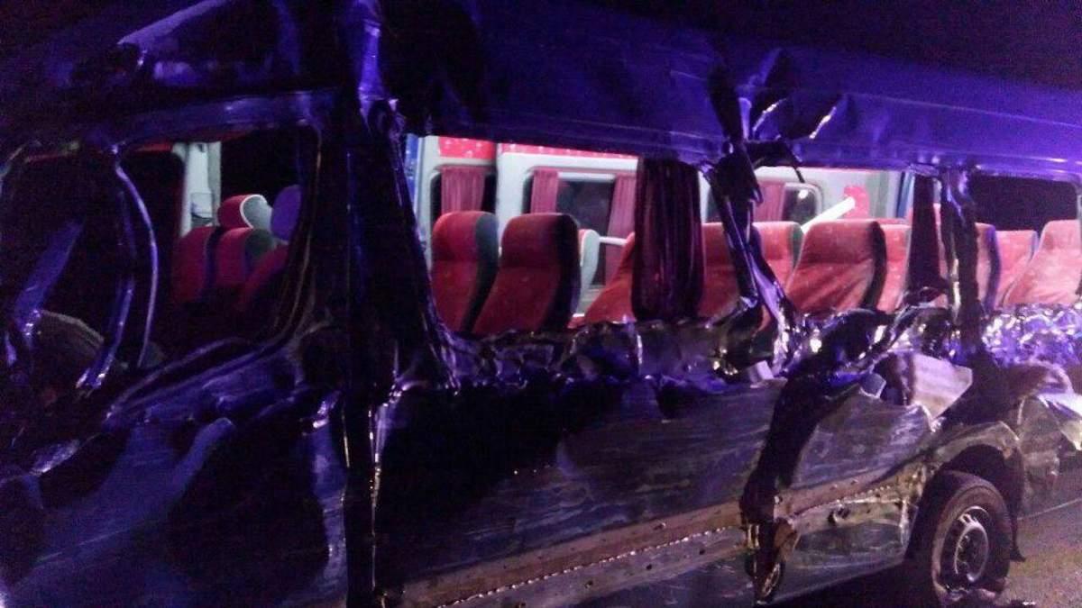 Пассажирский микроавтобус попал в ДТП в Ровенской области, есть жертвы