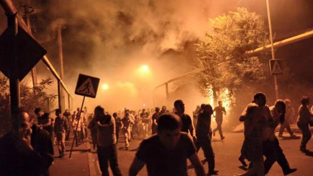 Эксперт рассказал, что происходит в Ереване: все больше людей симпатизирует радикалам