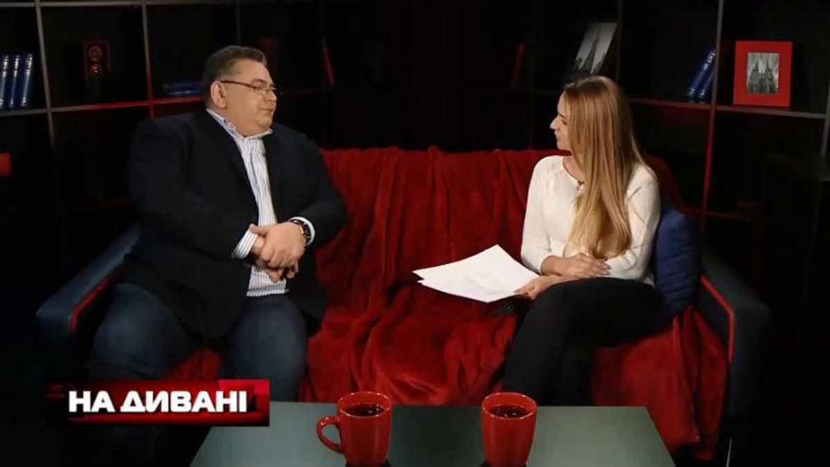 """Почему в Москве украинцев могут обвинить в шпионаже, – смотрите в программе """"На диване"""""""