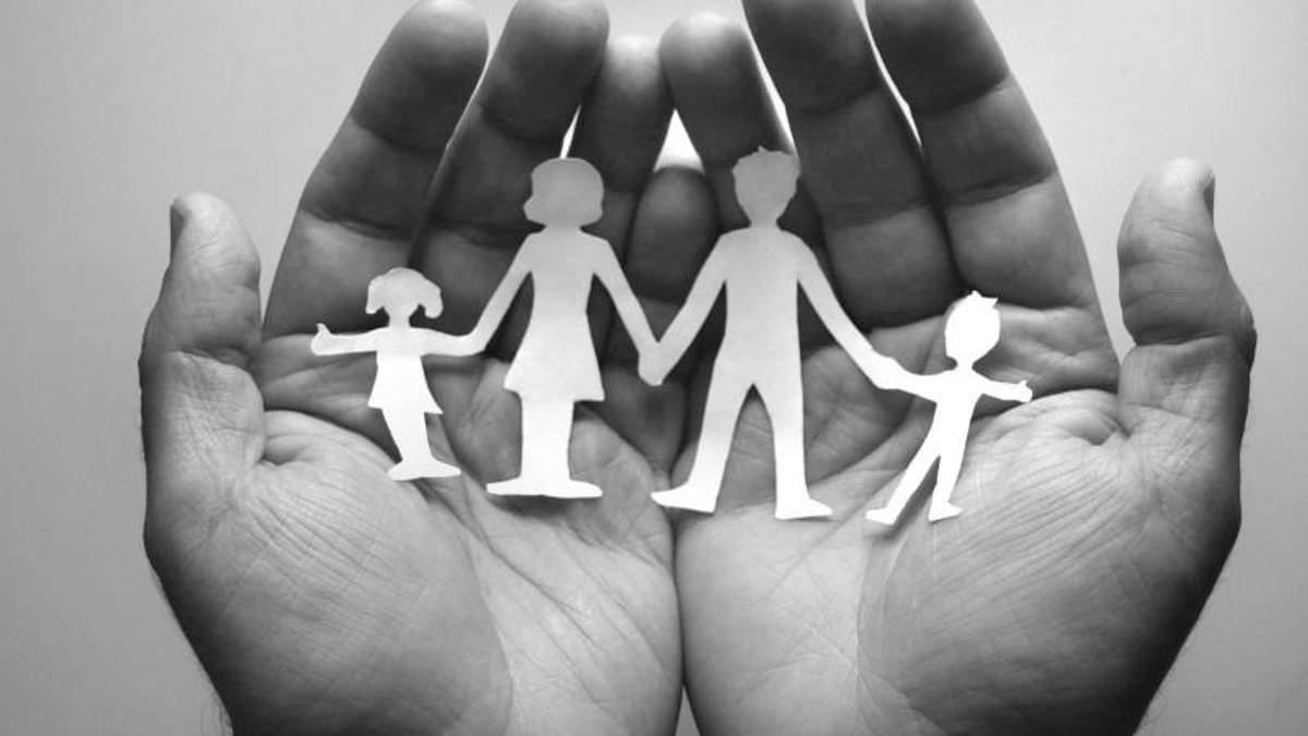 """Украинские """"скрепы"""": чему школьников научит пособие """"Семейные ценности"""""""