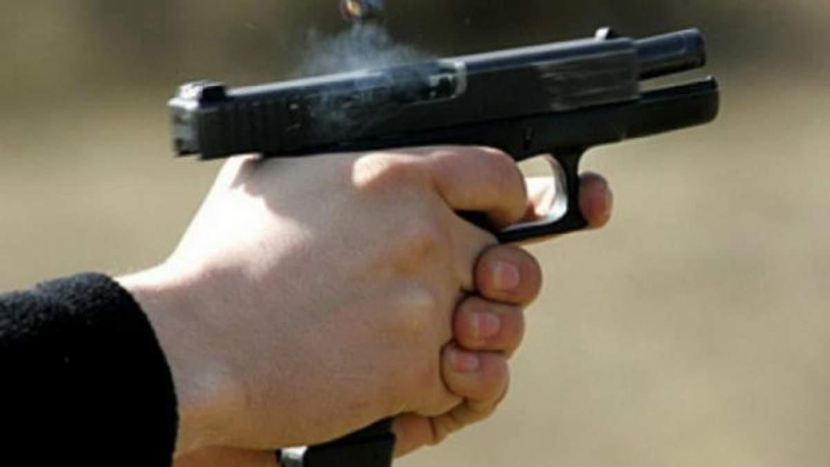 Невідомий розстріляв двох поліцейських на Київщині