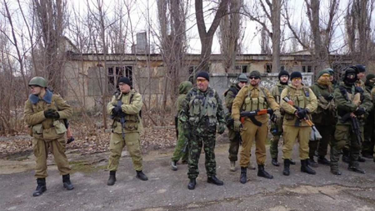 Дмитро Штибліков (третій ліворуч)