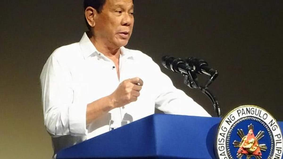 Сварливый президент Филиппин сравнил себя с Трампом