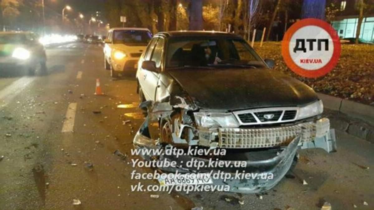 Серйозна аварія з погонею і стріляниною сталася в Києві