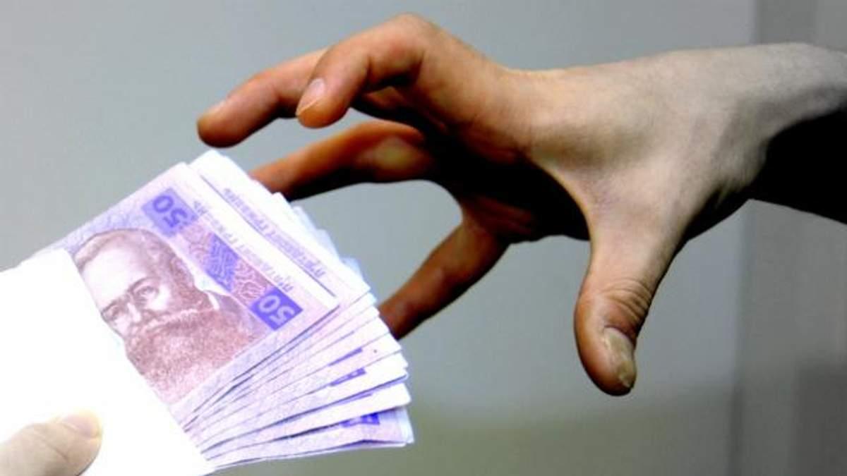 Заступник мера Слов'янська погорів на багатотисячному хабарі: опубліковані фото