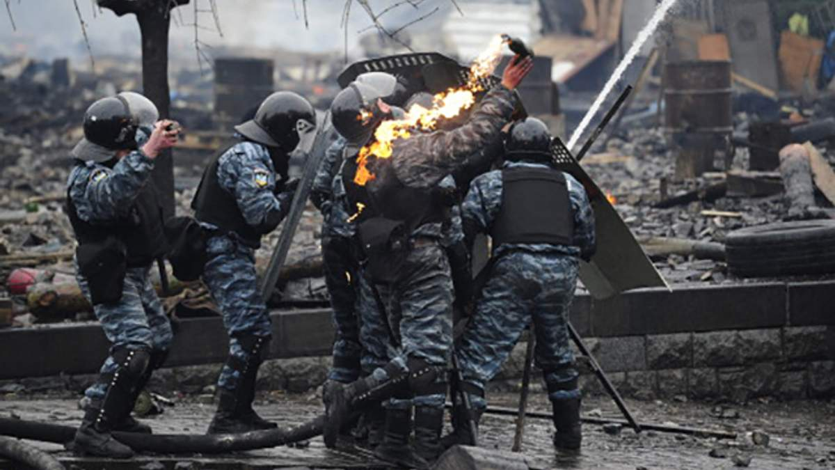 """Досі працюють майже половина """"беркутівців"""", які розганяли Майдан, – прокурор"""