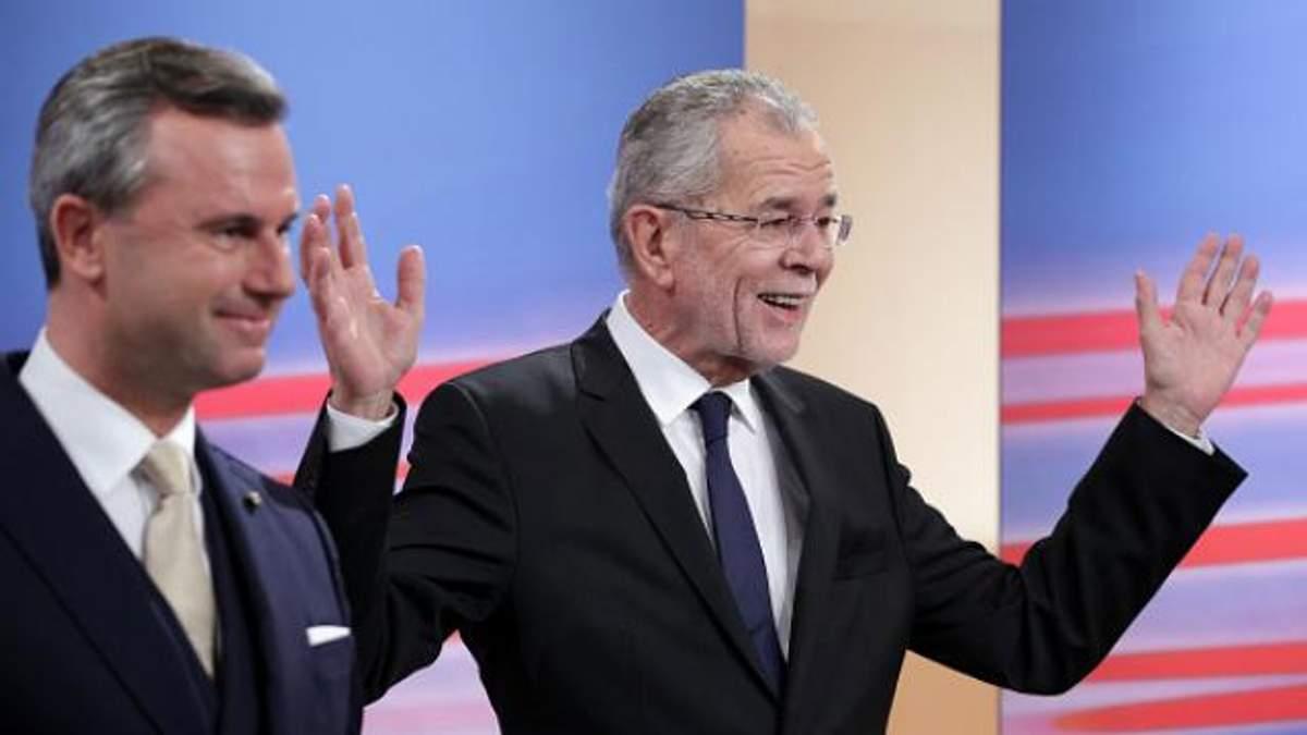 По предварительным результатам, выборы выигрывает 72-летний Ван дер Беллен